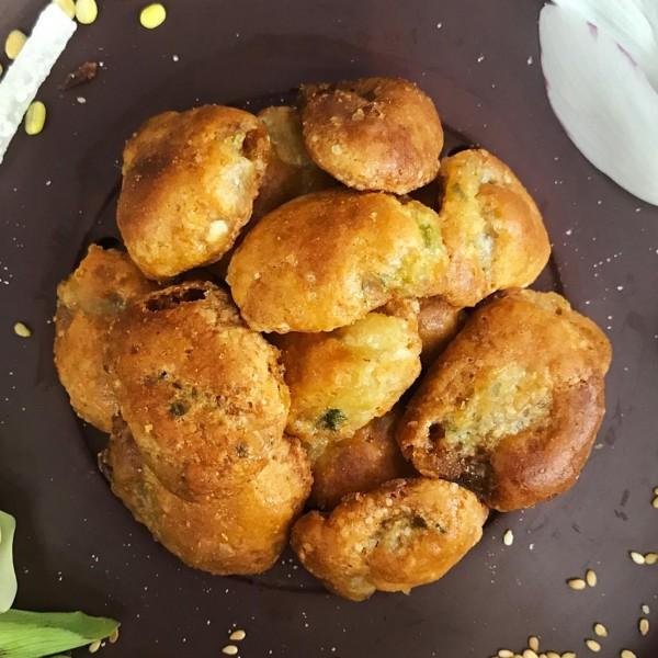 Bánh chả lá chanh Bảo Phương gói 180gram