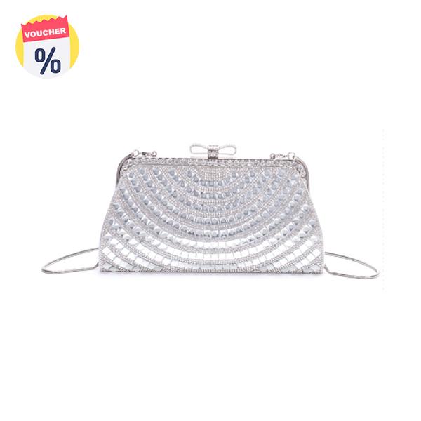 Mua ngay Voucher với giá 649.000 VND để sở hữu ngay Túi clutch nữ thời trang ELLY- ECH19 màu bạc (Giá niêm yết: 999.000 VND)