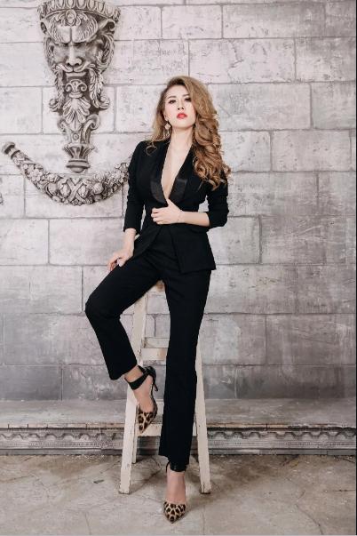 Bộ vest Mia Selena thiết kế phong cách mới lạ(Đen)