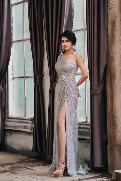 Đầm dạ hội Mia Selena kim tuyến lệch vai thiết kế xẻ đùi cực tôn dáng